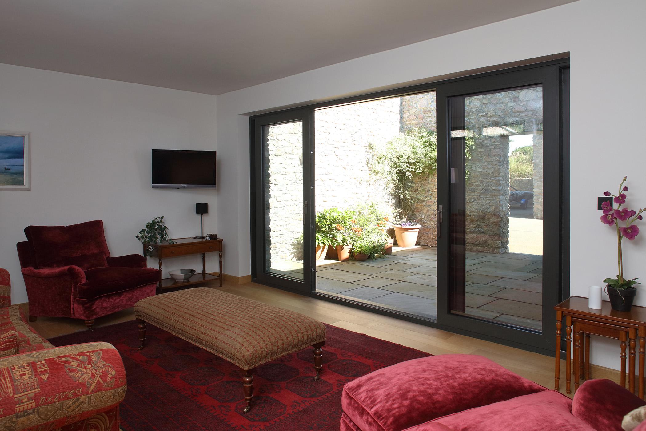 NSP -  LOWEN HOUSE 0019